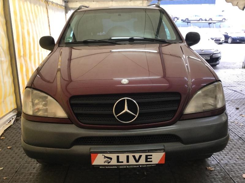 Mercedes SUV - M320W2