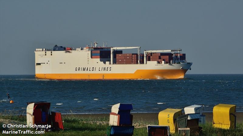 Vessel Grande Cotonou