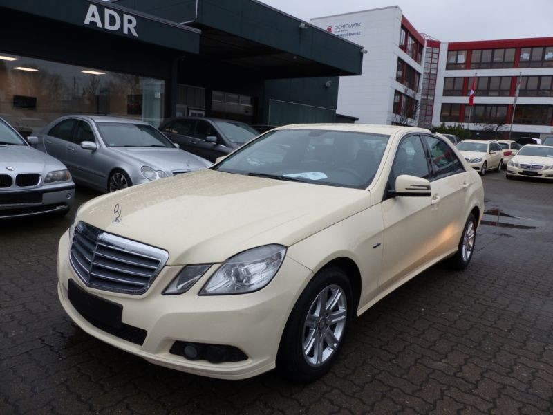 Mercedes benz E200 . MB200J