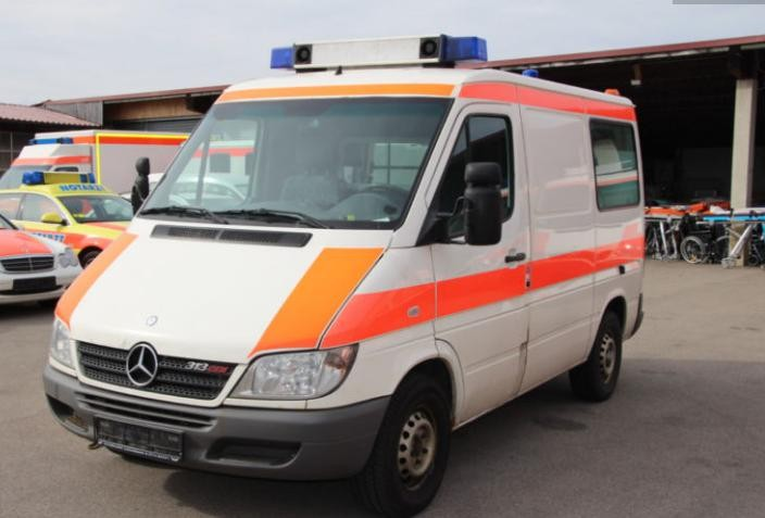 Ambulance - MAB77