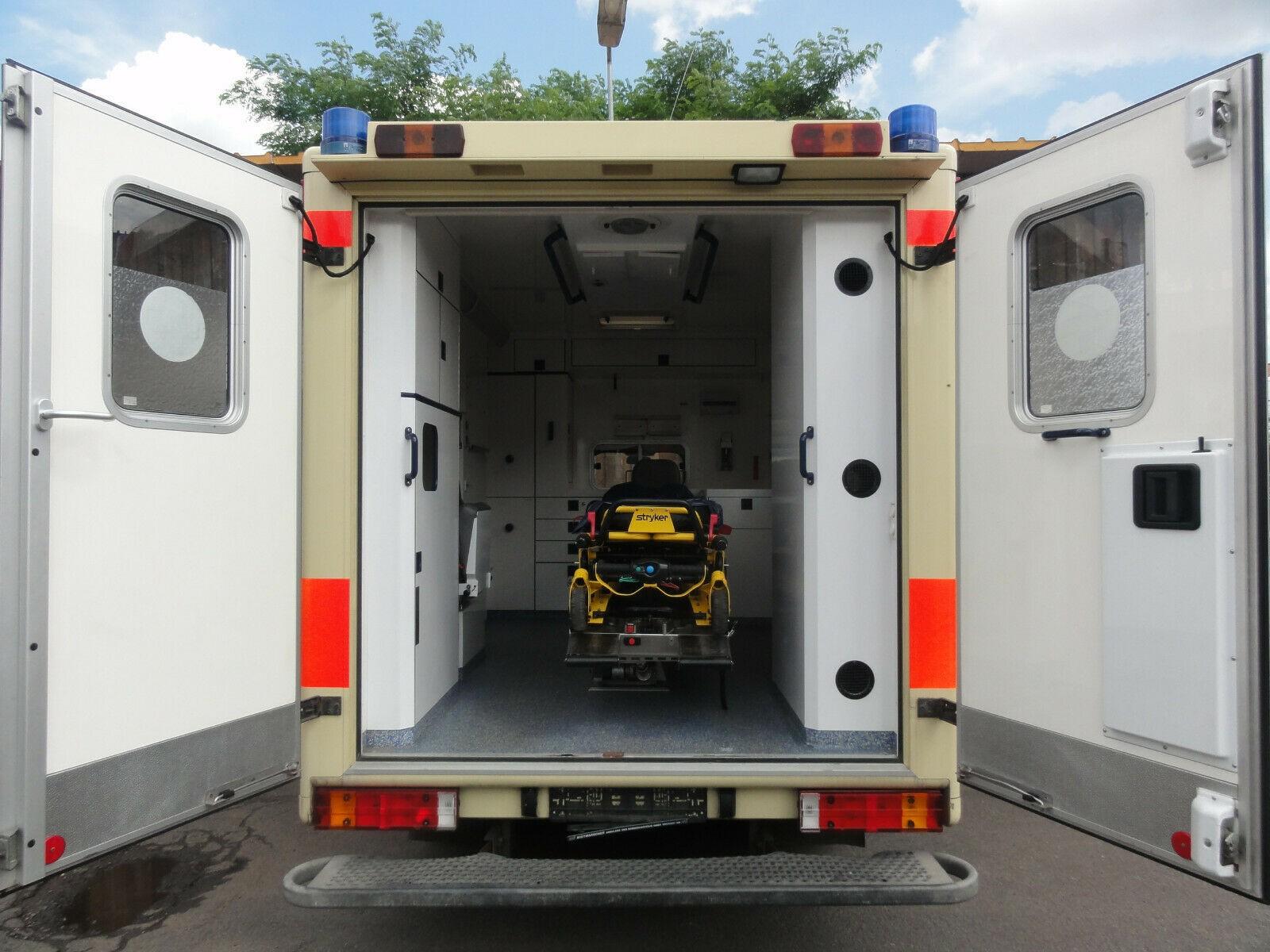 Mercedes Ambulance for sale - MBBY71