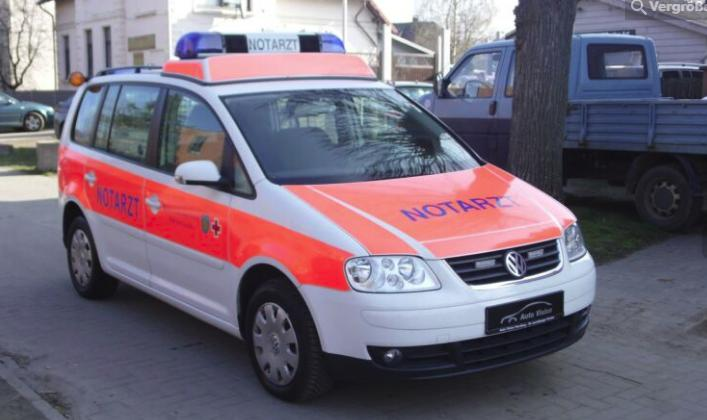 Ambulance - Emergency Doctor Car - VWM55Y